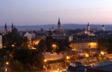 Panorámica nocturna de Sibiu
