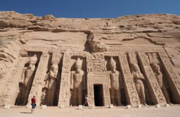 abu-simbel-temple-nefertari