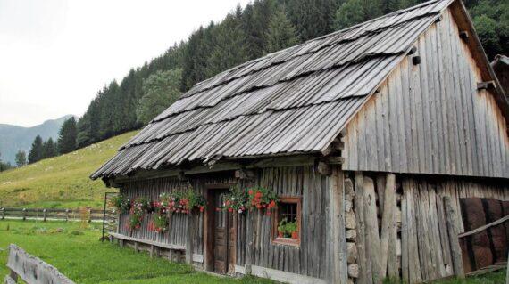 Cabaña en la montaña