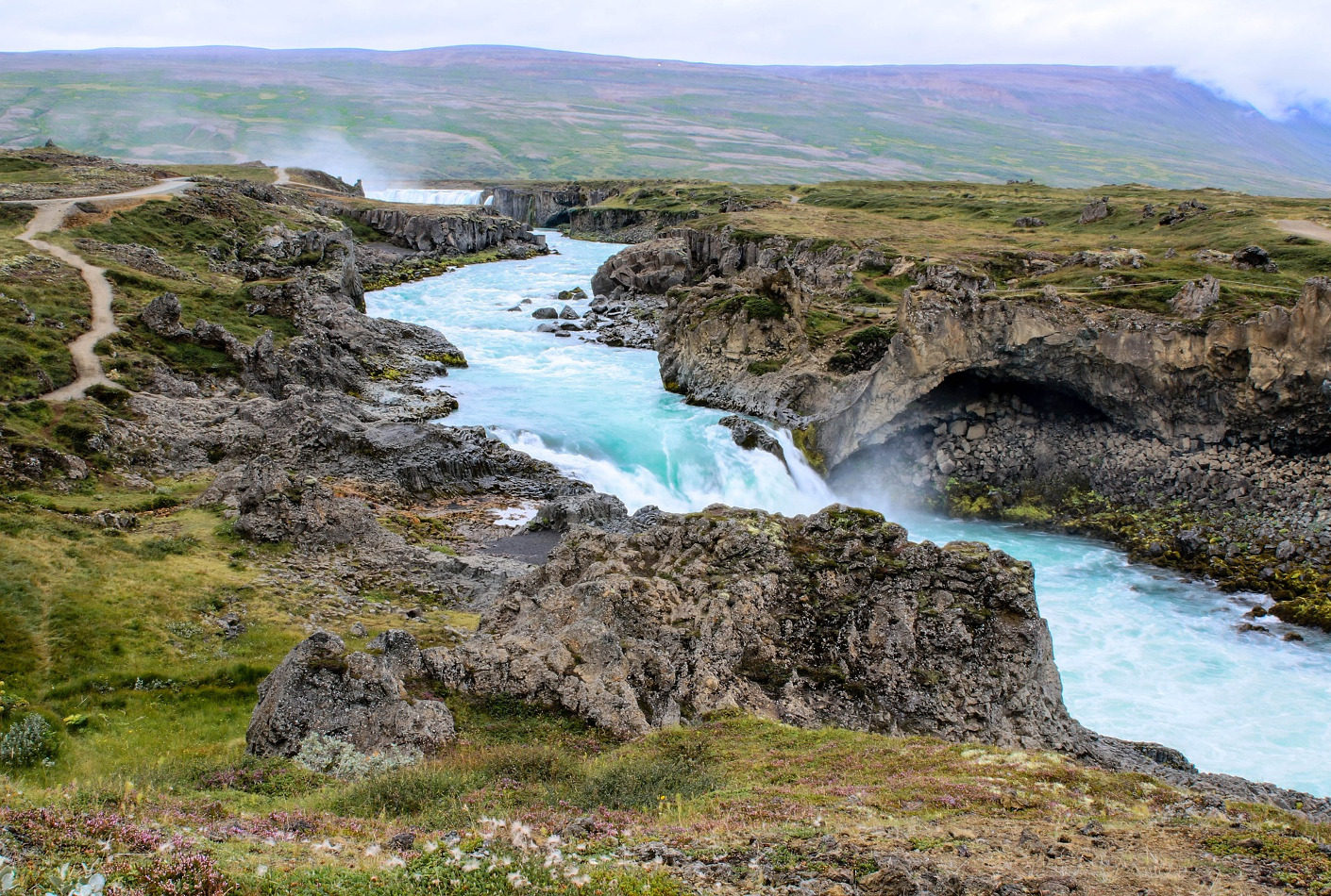 Goðafoss la Cascada de los Dioses, Islandia
