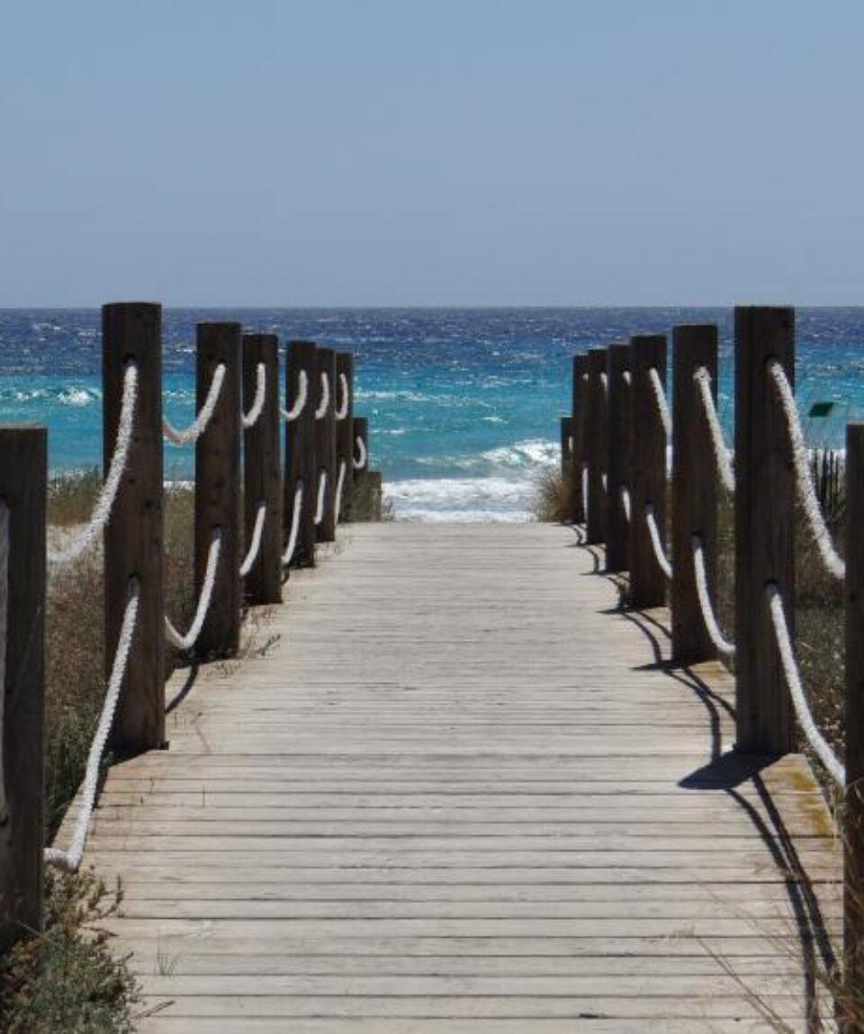 menorca acceso a playa